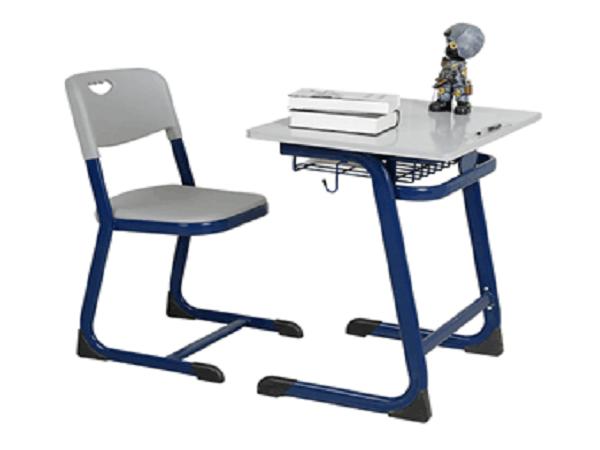 蓝月亮课桌椅
