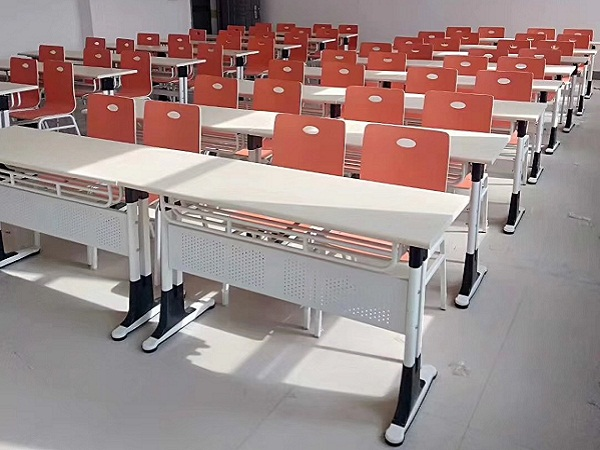 山西职业高中课桌椅案例