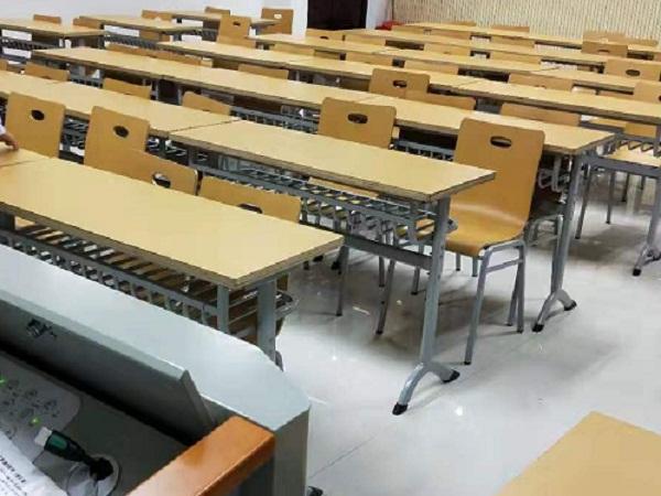湖北课桌椅案例