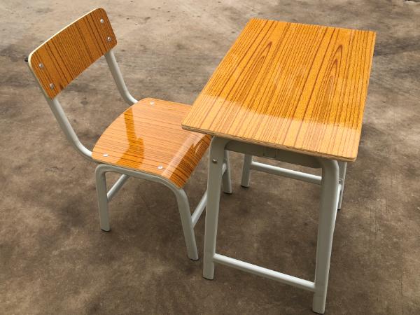 单人蛋型管课桌椅